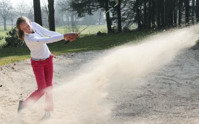Golf met twee vrienden of relaties mee voor de LINDA.foundation