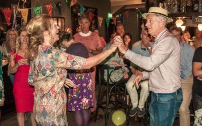 Marcel en Jo delen hun verjaardagscadeaus met LINDA.foundation