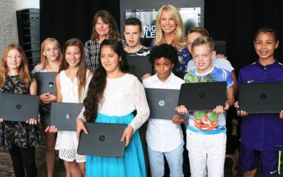 Linda de Mol schenkt laptops aan scholieren namens LINDA.foundation