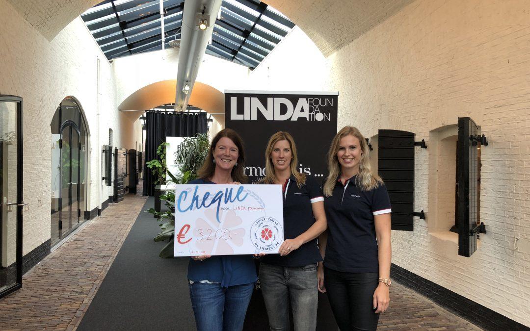 Shoppen voor de LINDA.foundation dankzij kledingbeurs De Liemers