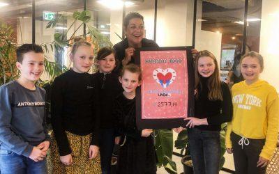 Leerlingen Herman Jozefschool halen geld op voor LINDA.foundation